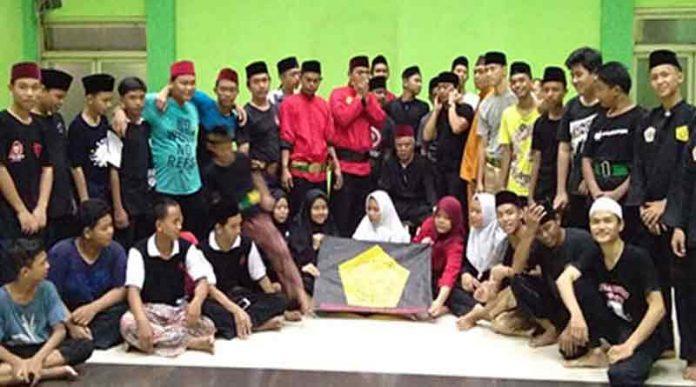 Perguruan Cingkrik Rawabelong