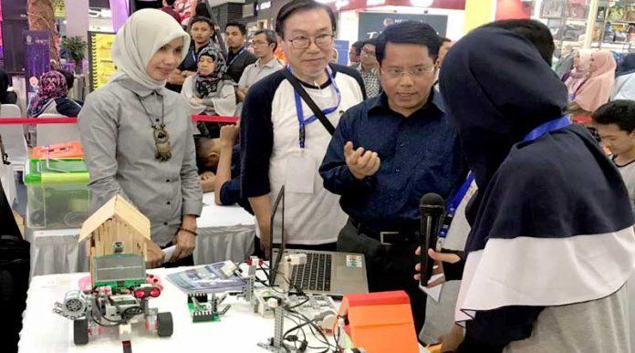 Kompetisi Robotik Madrasah